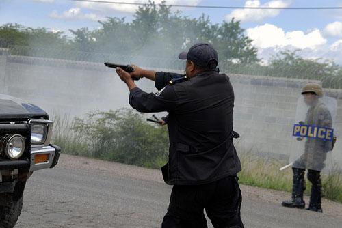 Ex-Polizist deckt Vorgehen von Todeschwadronen in Honduras auf