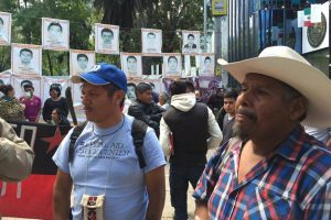 Familienangehörige der verschwundenen Studenten aus Ayotzinapa. Foto: Desinformemonos